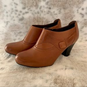 Clarks Bendables Brown Leather Ankle Boots